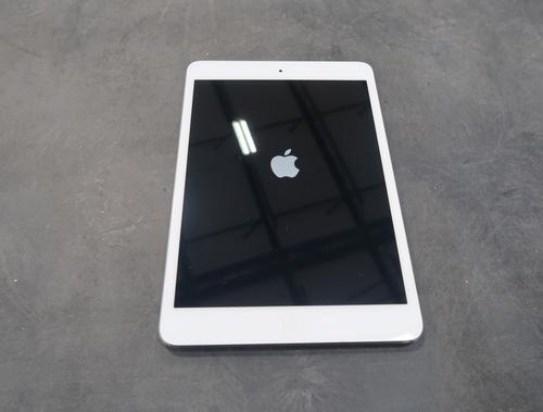 Apple iPad Tablets Grades A/B Tested Working