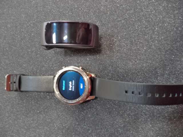 Samsung Galaxy & GearFit Smartwatches - SALVAGE