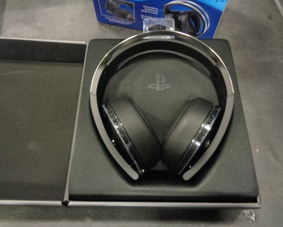Headphones: Xbox & Sony Gold SALVAGE