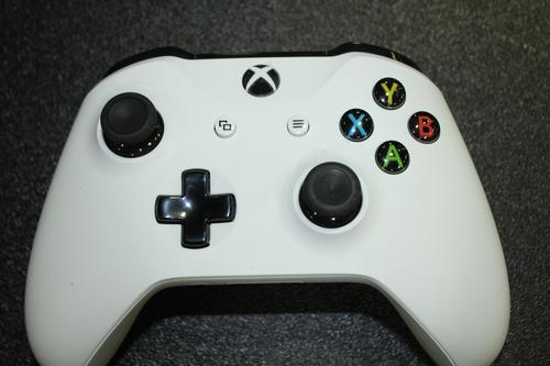 Controllers: Xbox & PS4 - SALVAGE