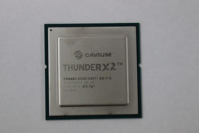 Cavium ThunderX2 CPUs - Used