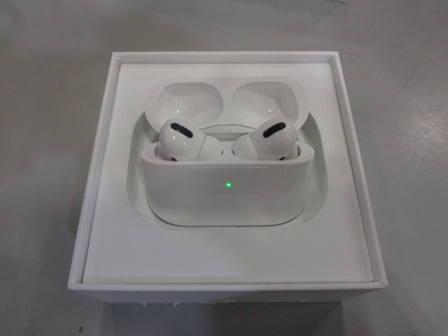 Apple AirPods Pro - Tested Working