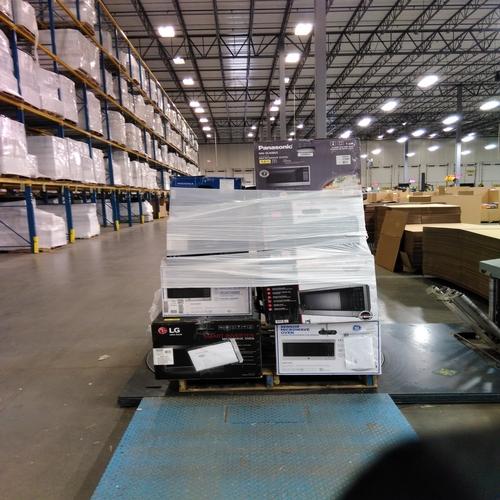 Compact Refrigerators & Microwaves - RETURNS